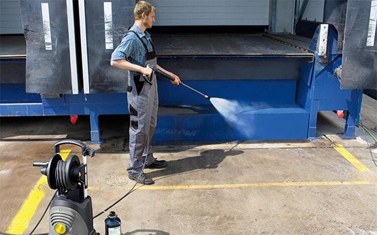 工业高压清洗机要求很高